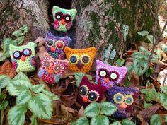 So cute! Owlies & Owlettes Crochet Pattern. $6.00, via Etsy. http://www.etsy.com/listing/87194050/owlies-owlettes-crochet-pattern#