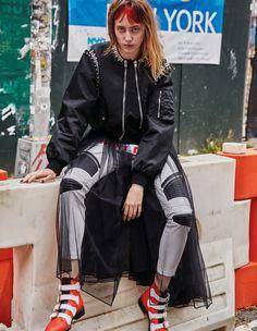 Photographer: David Roemer @Atelier Management Styled by: Joanne Blades Hair: Ward @The Wall Group Makeup: Ozzy Salvatierra @Streeters Manicure: Riwako Kobayashi Model: Lia Pavlova @Next Models