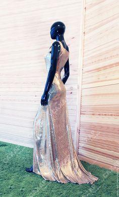 Купить «Золотая Адель» длинное платье в пол с шлейфом. - однотонный, открытая спина, платье для вечеринки