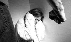 Los datos revelan que de cada 10.000 aragonesas, 12,7 sufren violencia machista según datos del Instituto Aragonés de la Mujer. Es por ello que el Departamento de Bienestar Social del Gobierno de Aragón ha decidido aumentar los dispositivos de Teleasistencia a mujeres maltratadas en el ámbito rural, ante el aumento exponencial de las llamadas al 016 de mujeres que piden ayuda.