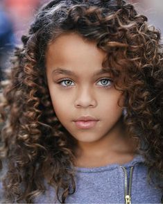 You are in the right place about children hair styles Here we offer you the most beautiful pictures about the … Beautiful Little Girls, Beautiful Children, Beautiful Babies, Pretty Eyes, Cool Eyes, Beautiful Eyes, Ringlet Curls, Curly Hair Styles, Natural Hair Styles
