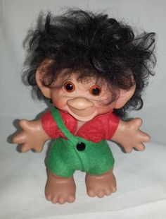Thomas Dam troll in original clothes from 1960s.   This troll is marked on the back with Thomas Dam   H: 7 or 18 cm from the top of the hair.   W: