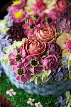 masam manis: beautifully piped flowers!