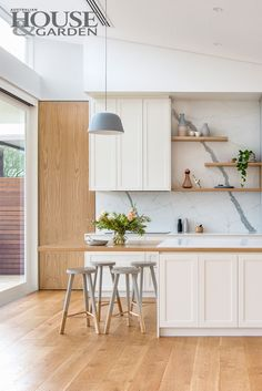 Scandi-style kitchen by Mikayla Rose, Heartly, Hawthorn, Victoria. Top 50 rooms house and garden for home decor inspiration Kitchen Flooring, Kitchen Furniture, Kitchen Decor, Kitchen Dining, Furniture Cleaning, Kitchen Worktop, Red Kitchen, Kitchen Themes, Country Kitchen
