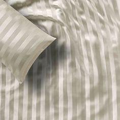 silk-bedding-cellini-design-seidenbettwaesche-014 #Silk bedsheet and duvet cover made in Germany by #Cellini Design. #Seidenbettwäsche aus reiner #Seide von #Spinnhütte Cellini Design aus Deutschland.