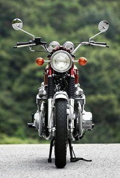 Vintage Motorcycles 『伝え残したい名車 『H…』 - Vintage Honda Motorcycles, Honda Bikes, Custom Motorcycles, Cars And Motorcycles, Custom Bikes, Touring Motorcycles, Honda 750, Honda Cb 100, Vintage Bikes