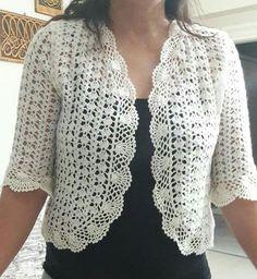 Bolero a crochet blanco Débardeurs Au Crochet, Crochet Bolero Pattern, Pull Crochet, Crochet Cocoon, Crochet Coat, Crochet Jacket, Freeform Crochet, Crochet Shawl, Crochet Clothes