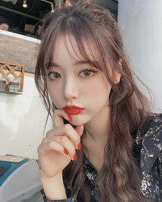 What is the easiest Forex strategy to implement? I'm going to go over the four types of Forex strategies and show you which one I think is t. Korean Bangs Hairstyle, Korean Hairstyles Women, Korean Haircut, Japanese Hairstyles, Asian Hairstyles, Fringe Hairstyles, Hairstyles With Bangs, Pretty Hairstyles, Redhead Hairstyles