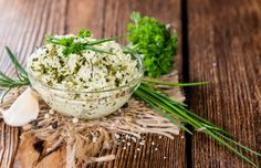 Tip Tuesday: impress your guests with homemade garlic butter with herbs! Spread on a slice of baguette before your meal, or melt a small piece on soup, meat or pasta.  Stir together:  - 1/2 cup softened butter - 1 garlic clove, pressed - 1/3 cup chopped fresh basil - ¼ cup chopped fresh chives - 1/4 cup chopped fresh parsley - 1/4 teaspoon salt Enjoy immediately, or freeze for up to a month! #TipTuesday #HelloFreshTips #ButterLover #Garlic #Herbs #Recipe #Fresh #Foodie #Food #CookLikeABoss