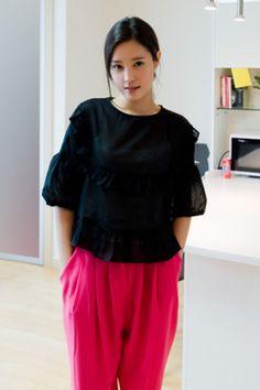 frill crop blouse from Kakuu Basic. Saved to Kakuu Basic Blouses & Shirts. Shop more products from Kakuu Basic on Wanelo. Seoul Fashion, Korean Fashion, Crop Blouse, Online Fashion Stores, Autumn Summer, No Frills, Fashion Brand, Fashion Looks, Clothes For Women
