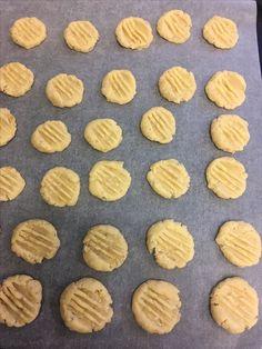 kelfstrobakar.se - Gaffelkakor med havresmak Almond, Cookies, Desserts, Food, Crack Crackers, Tailgate Desserts, Deserts, Biscuits, Essen