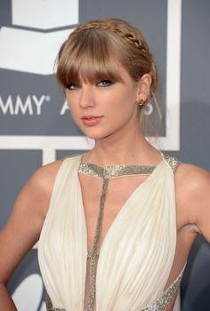 Best Beauty Looks from the Grammy Awards 2013 Taylor Swift's braided headband