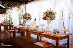 Decoração de Casamento Rústico Romantico | Flickr - Photo Sharing! Wedding Desserts, Wedding Themes, Diy Wedding, Rustic Wedding, Dream Wedding, Wedding Decorations, Wedding Day, Beach Wedding Aisles, January Wedding