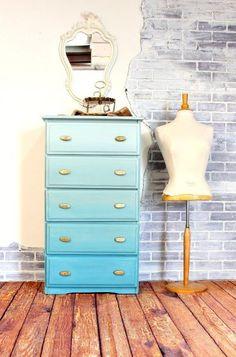 ombre dresser technique, chalk paint, how to, painted furniture