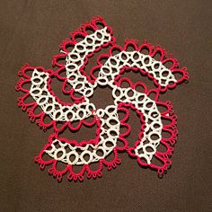 Hello world: Tatting Pattern Frivolite Martha Jones, Tatting Bracelet, Tatting Lace, Cross Stitch Music, Small Rings, Tatting Patterns, Lace Doilies, Cotton Thread, Beautiful Patterns