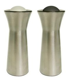 Salt and Pepper Shaker and Dispenser: Keep these on the counter to add a light seasoning to any dish, or press the button on top to easily dispense a ¼ teaspoon to use while cooking.