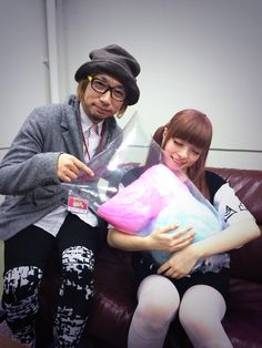 """Mr.Sebastian Masuda who is the art director to supervise the event """"Harajuku kawaii"""" gave KPP encouragement with cotton candy for the performance"""