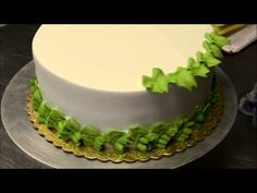 How to make a Sunflowers design cake in Minutes - YouTube