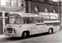 Groeneveld/Gooilander/Hofstad Tours - De website van langs-de-wegen-g! Road Transport, New Bus, Busses, Train Car, Find People, Coaches, Volvo, Transportation, Classic Cars