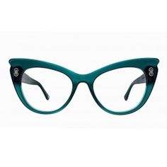 6ca1e41c54c8 An oversized bold cat eye that makes a statement without being