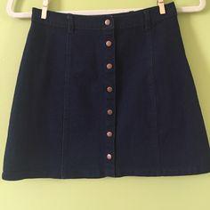 Forever 21 Button Down Skirt never worn. super cute vintage looking skirt. Forever 21 Skirts Mini