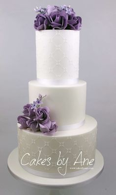 Sweet 18 Cake #sweet18birthday #birthdaycake #flowercake