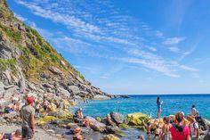 지중해를 품은 친퀘테레 Landscape Pictures, Mountains, Water, Travel, Outdoor, Gripe Water, Outdoors, Scenery Paintings, Viajes