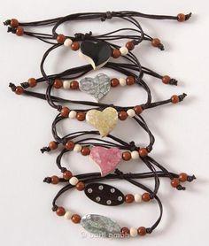 Bartl, Armband, sortiert, Trendige Armbänder mit Holzperlen und verschiedenen Motiven aus Holz | 110806 / EAN:4032821022547