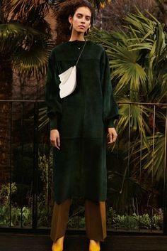 Céline Pre-Fall 2016 Fashion Show