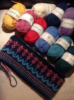 Ravelry: Dutchknitty's Lopi flower-surprise