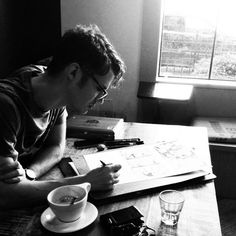 quiet guy writing in coffee shop Lifestyle Photography, White Photography, Photography Poses, Writing Inspiration, Character Inspiration, People Drinking Coffee, Foto Pose, Coffee Drinks, Foto E Video