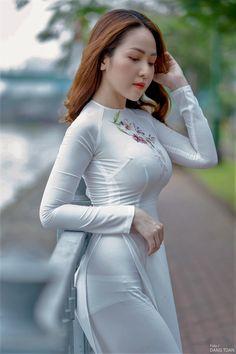 Sexy Long Dress, Sexy Dresses, Girls Dresses, Korean Girl Fashion, Asian Fashion, Indian Fashion Dresses, Cute Asian Girls, Beautiful Asian Women, Ao Dai