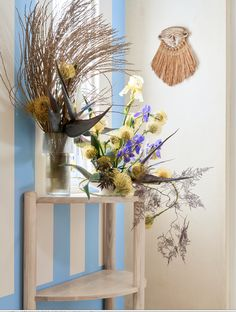 Stylist: Bielle Bellingham  Flowers: Storm Ross  Photographer: Micky Wiswedal Entrance Hall Tables, My Design, History, Flowers, Home Decor, Historia, Decoration Home, Room Decor, Royal Icing Flowers