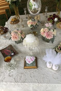 Iranian Wedding, Table Decorations, Furniture, Home Decor, Decoration Home, Home Furnishings, Interior Design, Home Interior Design, Tropical Furniture