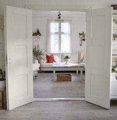 Elsker mine gamle dører! @landliglykke on instagram ✨ follow me ✨