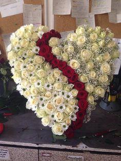 Floral love from the German city of Duisburg: Blumen Gül flower shop!