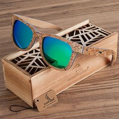 Unique Cork Wooden Sunglasses Men or Women's Luxury Variation Retro Eyewear Polarized Sunglasses