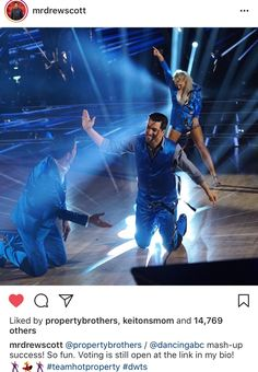 10/10/17 Look who showed up dancing with his brother? Drew and Jonathan Scott with Emma Slater! #dwts #TeamHotProperty