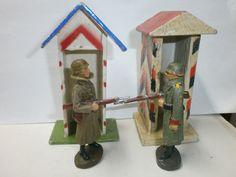 Konvolut 2 alte Hausser Elastolin Massesoldaten Wache mit Schilderhaus zu 7.5cm   eBay