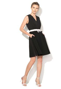 Rochie neagra fara maneci cu decolteu in V Vexi - Ted Baker - www.iconly.ro Dresses For Work, Formal Dresses, Ted Baker, Black, Fashion, Dresses For Formal, Moda, Black People, La Mode