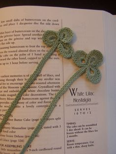shamrock bookmark crochet, no pattern