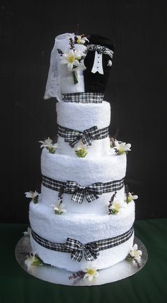 Wedding Towel Cake | Bride and Groom Wedding Towel Cake