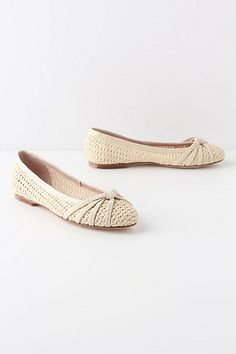 Cute flats for spring  Interlinking Pinnate Flats #anthropologie