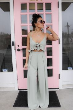 Jumpsuit Fever // Fashion – Daily Fashion Tips Cute Beach Outfits, Trendy Summer Outfits, Summer Fashion Outfits, Spring Summer Fashion, Spring Outfits, Casual Outfits, Fashion Tips, Autumn Outfits, Bar Outfits