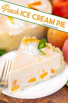 Peach Ice Cream Pie - inspired by The Masters Peach Ice Cream Sandwiches. SO easy and no ice cream machine required!!! Sugar cookie crust filled with fresh peach ice cream made with heavy whipping cream, sweetened condensed milk, and peaches. Freeze until ready to serve. This is the perfect summer dessert! #themasters #nochurn #nobake Raspberry Cream Pies, Ice Cream Pies, Ice Cream Desserts, Frozen Desserts, Summer Desserts, Just Desserts, Delicious Desserts, Frozen Treats, Cream Cake