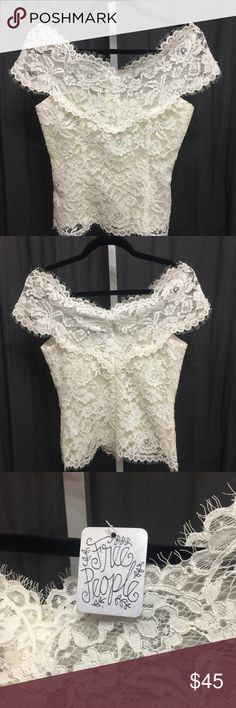 NWT Free People off the shoulder Lace corset top NWT Free People Lace off the shoulder corset top. Romantic and sexy, this top will make you feel like a porcelain doll 😍 Free People Tops Blouses