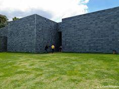 Inhotim: Galeria Cosmococa. A visita nesta galeria com instalações interativas é obrigatória em minha opinião