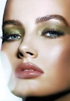 Beautiful green shimmer eye shadow and rose lips - St. Patrick's Day and Spring Makeup