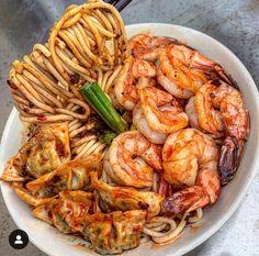 Spicy Shrimp & Wonton Noodles via . Think Food, I Love Food, Good Food, Yummy Food, Asian Recipes, Healthy Recipes, Healthy Food, Food Goals, Cafe Food
