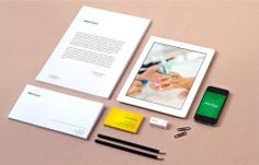 A marca e identidade da empresa Manicure Brasileira foram criadas com elementos do próprio ramo de atividade. Um layout que explora as cores brasileiras e uma mistura inteligente de elementos.